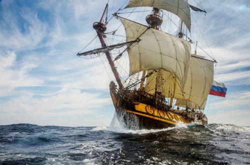 @Shtandart, que ya ha atracado en Vigo, puede visitarse durante todo el fin de semana