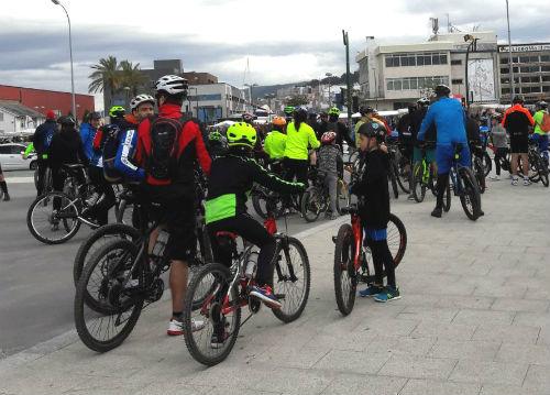 Decenas de ciclistas 'tomaron' Vigo este domingo para hacer la tercera  'Bici Ruta de Primavera 2018'