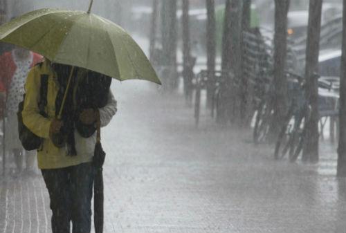 Lloverá, al menos, durante un fin de semana en el que se espera granizo y tormentas