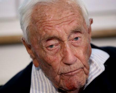 El científico David Goodall, de 104 años de edad, muere en Suiza tras someterse a un suicidio asistido