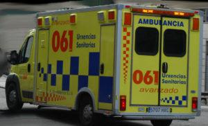 Un trabajador de 30 años herido de gravedad al caerse desde un tercer piso cuando realizaba labores de limpieza en un edificio