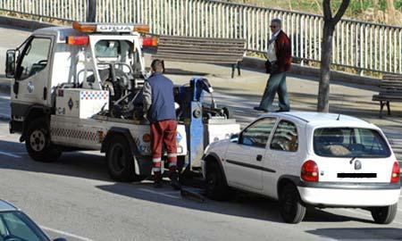 Convocada folga indefinida na concesionaria do guindastre de Vigo