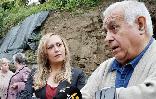 """@ElenaMunozF se reúne con los vecinos de Teis y urge al gobierno local a poner fin a la """"inadmisible situación"""" de la zona de Baixada á Igrexa"""