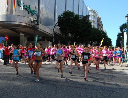Centenares de deportistas tomarán la salida este domingo en la 'Carrera Femenina El Corte Inglés'