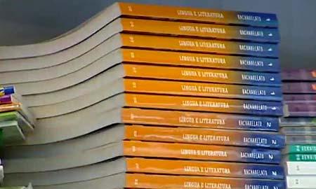 Alumnos gallegos reclaman la gratuidad de los libros de texto.