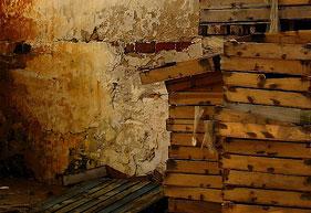 Cajas de madera. (Autor: Amankay)