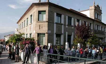 Protestas en La Gota de Leche para que se abriése como albergue