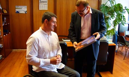 Chano Rodríguez co concelleiro de Deportes, Xabier Alonso.