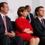 Cabellero y Feijóo separados por la ministra Espinosa, durante la inauguración de la World Fishing Exhibition/ S.Pereira