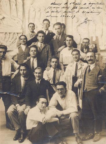 Francisco Castro y Pedro Alonso, en primer término, en la Escuela de Arquitectura de Madrid