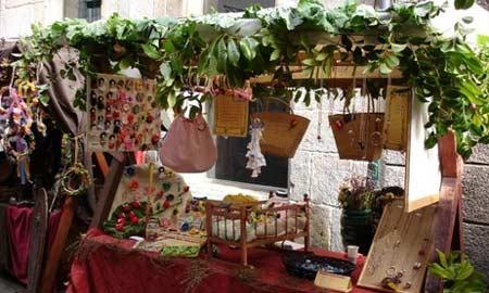 Moitos artesán gañan a vida a través das diferentes feiras na comunidade.