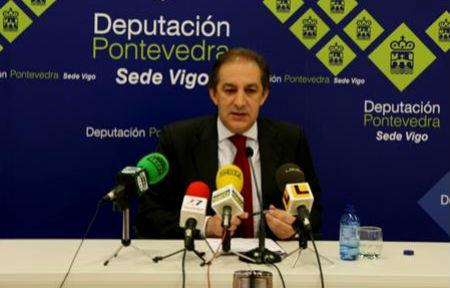 El vicepresidente de la Diputación, comparece, solo, ante los medos de comunicación