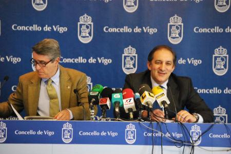 Los concelleiros Coello y Figueroa, esta mañana