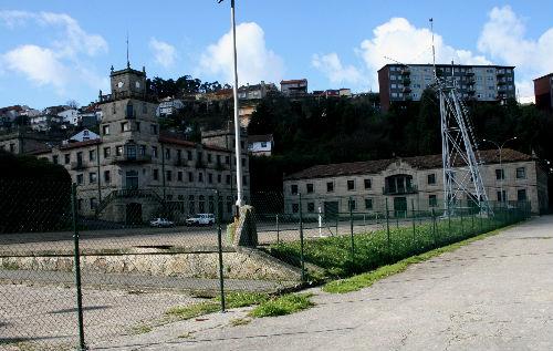 As instalacións da antigua Escola de Transmisións da Armada, hoxe