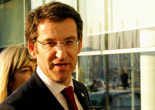 El presidente Feijóo, esta tarde, a su llegada a la sede de la Xunta en Vigo