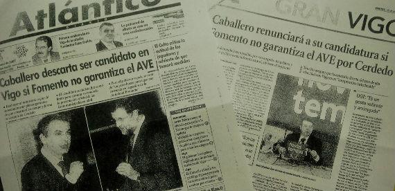 Dos de los 20 recortes de periódicos de enero de 2007, entregados por el alcalde a los medios de comunicación
