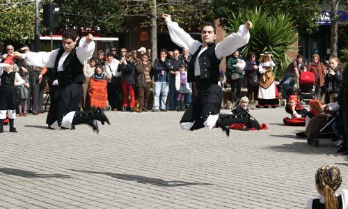 Música y baile tradicional coronaron el acto.