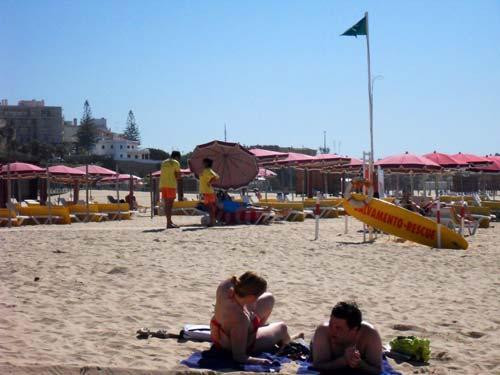 Portimao-praia-da-rocha-socorristas/Tresyuno Comunicación