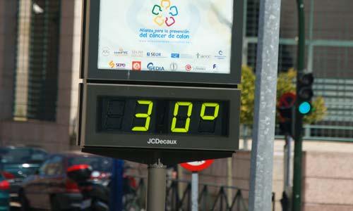 Algunos termómetros marcaban más de 30 grados.