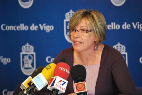 A concelleira de Benestar Social comparecendo ante os medios de comunicación