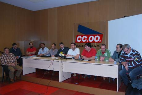 Los miembros del Comité de Empresa de Vitrasa, hoy durante una rueda de prensa