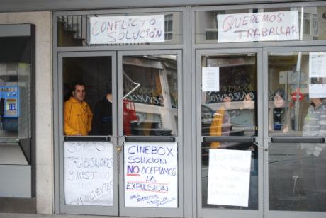 Los extrabajadores de Cine Box encerrados el pasado mes de diciembre/Tresyuno Comunicación