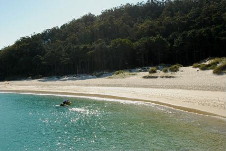 Illas Cíes.Praia de Rodeira/Tresyuno Comunicación