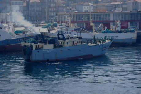 Naves Puerto de Vigo/Tresyuno Comunicación
