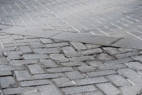 Pavimento POrta do Sol de Vigo/Tresyuno Comunicación