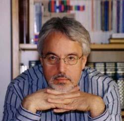 O escritor Alfredo Gómez Cerdá.