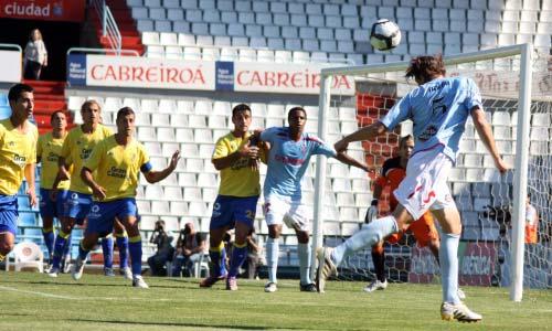 Un momento del encuentro entre Celta y Las Palmas en Balaídos.