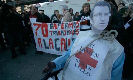 Una de las numerosas protestas de trabajadores y familiares de pacientes.