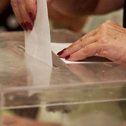 Case 24.000 persoas terán dereito a voto nestas eleccións.