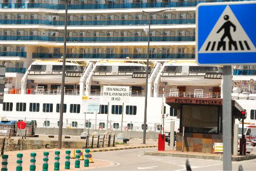 Cartel Puerto de Vigo/Tresyuno Comunicación
