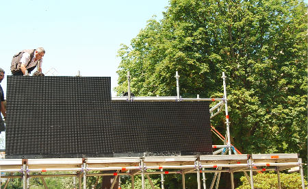Pantalla xigante na Praza de Compostela/Tresyuno Comunicación