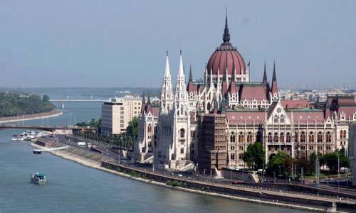 Los jóvenes visitarán el Parlamento húngaro.