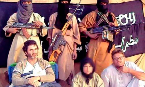 Albert Vilalta y Roque Pascual, en un vídeo emitido por Al Qaeda.