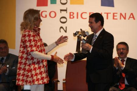 Corina Porro y Abel Caballero/Tresyuno Comunicación