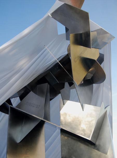 Estatua Silverio Rivas/Tresyuno Comunicación
