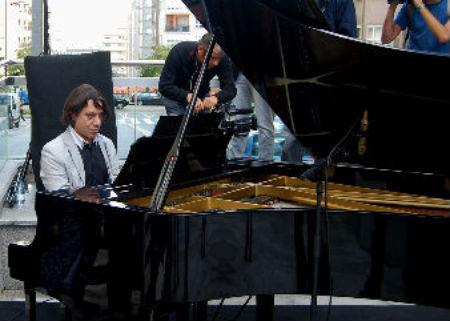 Pianista Vigo/Tresyuno Comunicación