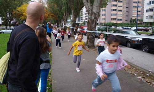 Cerca de 560 niños tomaron la salida. Foto: Tresyuno Comunicación.