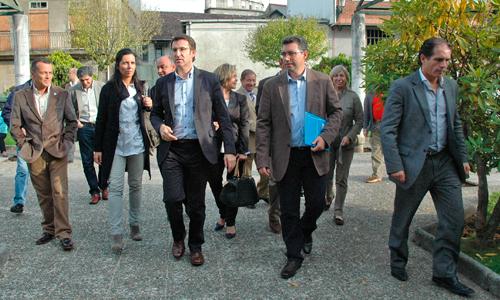 Javier Bas estuvo arropado por la cúpula autonómica del PP.