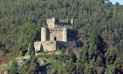 O castelo de Vilasobroso.
