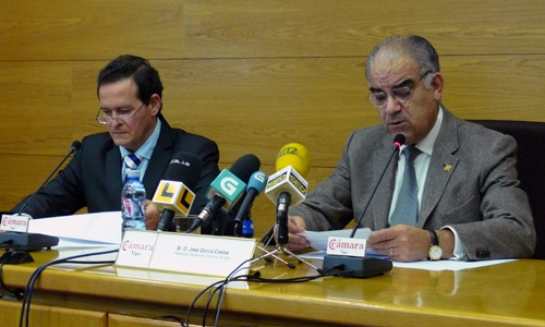 El presidente de la Cámara de Comercio de Vigo durante la presentación.