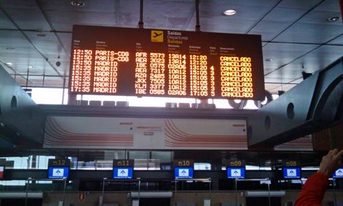 El aeropuerto de Peinador, desierto tras la oleada de reclamaciones.