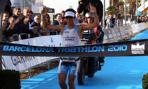 El triatleta gallego cerró el año ganando el campeonato del mundo.