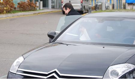 Alcalde en coche/Tresyuno Comunicación