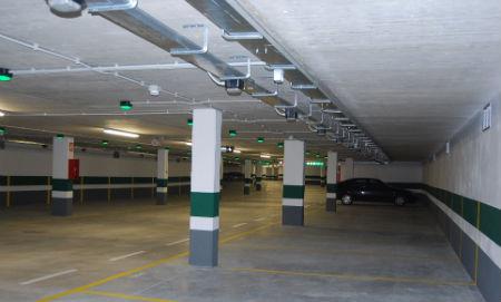 Parking1/Tresyuno Comunicación