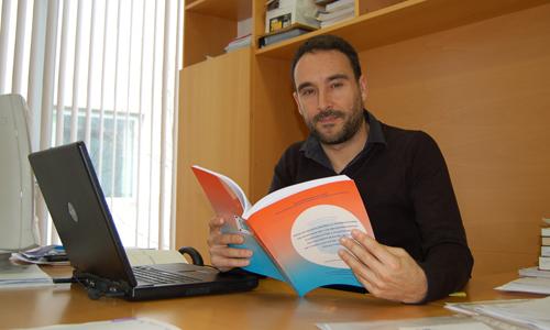 Jesús Lampón, autor da tese de doutoramento sobre as auxiliares da automoción.