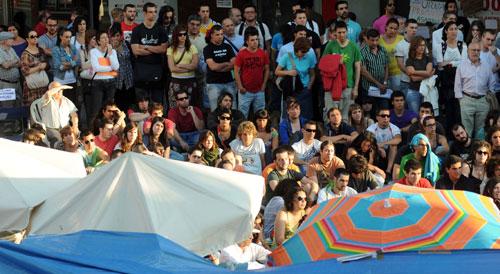 La Farola, hasta la bandera en la asamblea. Foto: Miguel Núñez.